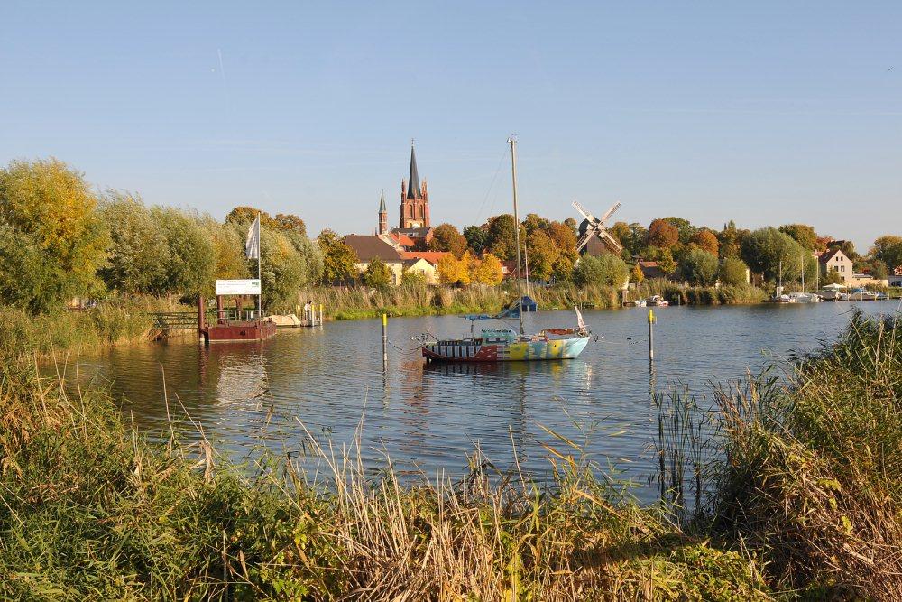 Segelschule – Yachthafen – Bootsliegeplatz – Hausboot mieten ...